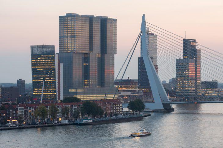 2. reducida 25. North view bridge_Image courtesy of OMA; photography by Ossip van Duivenbode