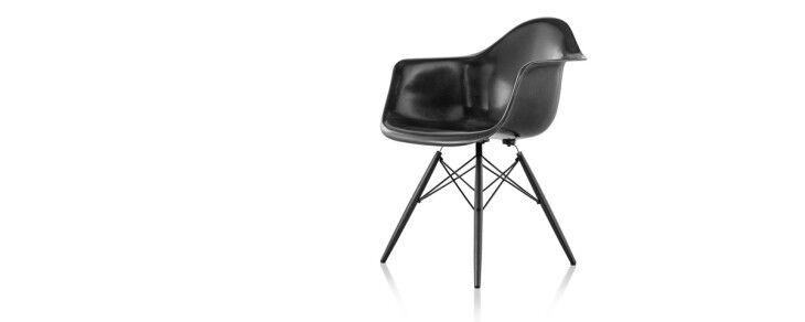 hero_eames_fiberglass_chair_3