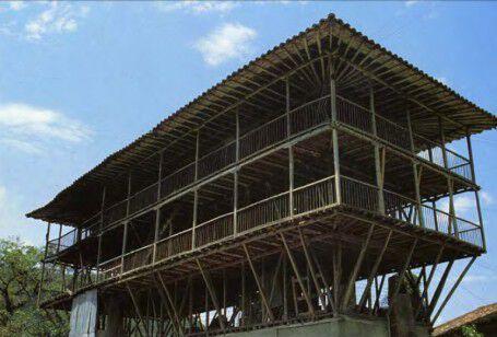 Construcción tradicional para secado de café en Viejo Caldas.